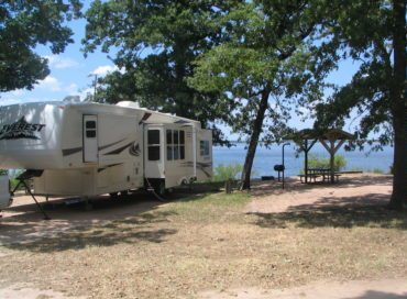 RV and tent camping in Brenham
